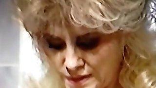 Matures Cougar Masturbing Abr2017