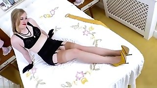 Buxom Retro Honey Thumbs Herself In Open Girdle Nylons Stilettos