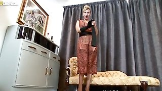 Sexy Blonde Saffy Fucks Fuckbox With High-heeled Shoes In Antique Nylons And Undergarments