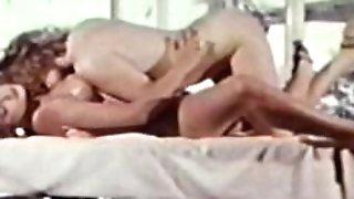 Girl-on-girl Peepshow Loops 626 70s and 80s - Scene two