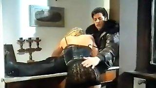 Una Zia, Due Nipotine... 30 Cm Di Cameriere (maurizia) (1993)